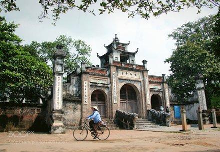 An Duong Vuong Temple