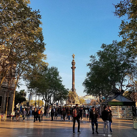 Walking around #LasRamblas in #Barcelona. Facing toward the sea, and the Columbus Monument.