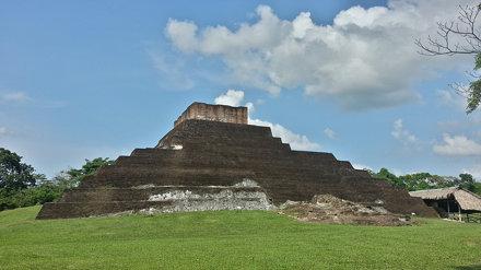 Pirámide de Comalcalco