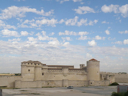 El castillo de Cuéllar desde el Este