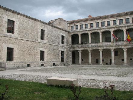 Castillo de Cuéllar. Patio de Armas