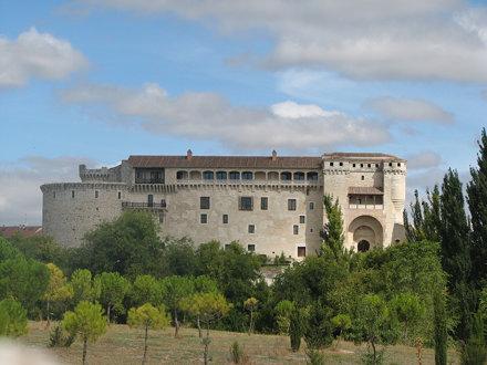 El castillo de Cuéllar desde el Sur