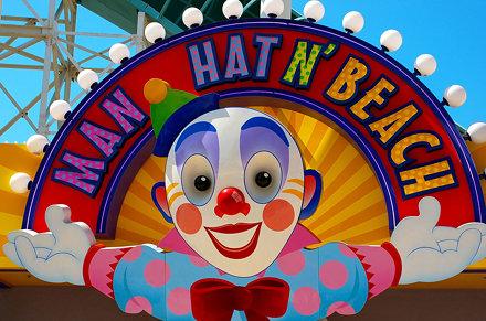 Disney - Man Hat N' Beach