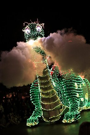 Disney's Electrical Parade: Pete's Dragon