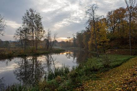 Bērzes upe Dobelē rudenī