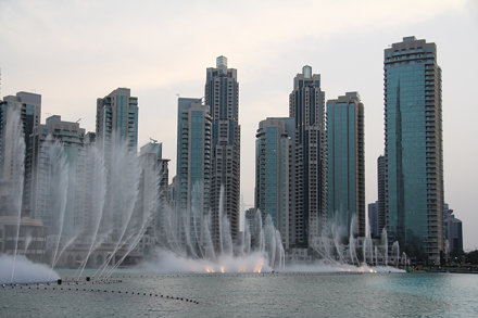 dubai-fountain-2013c.jpg