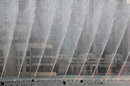 dubai-fountain-2013f.jpg