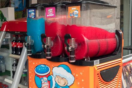 Eskimo Joe's Säfte: Rosa Limonade, Orange und Himbeere Blau