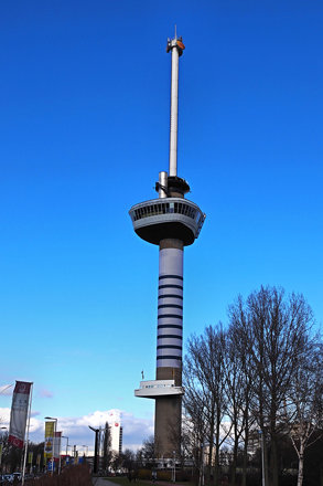 Euromast Rotterdam in Bretonse kleuren (Jean Paul Gaultier)