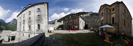 Forte di Fenestrelle, piazza d'armi del Forte di San Carlo, blocco principale a valle, parco Or