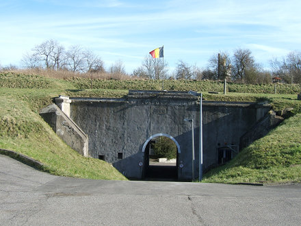 Entry of Evegnée fort
