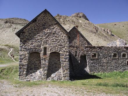 caponiera caserma de la Viraysse - Larche