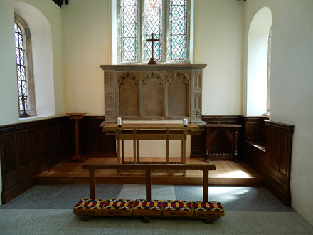 Gidleigh Church (07) Altar