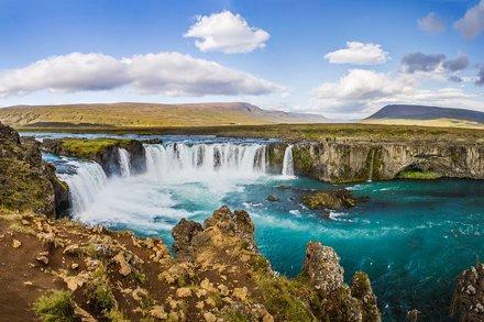 _WCB2156-61 Goðafoss Waterfall