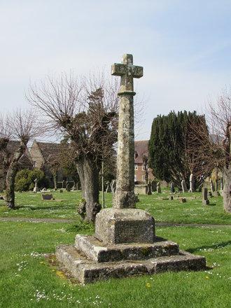 Shaftesbury: Churchyard Cross (Dorset)