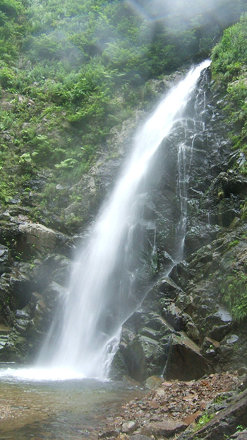 Anmon Waterfall in Shiragami Mountains (暗門の滝 - 白神山地)