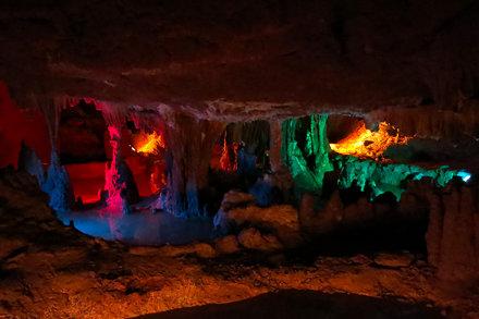 Grand Caverns Color