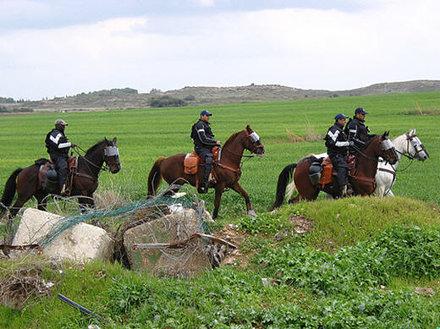 Israeli mounted police patrolling near Gaza border