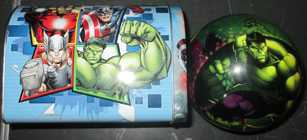 20170603 - yardsale haul - Avengers mailbox and The Hulk ball - 140056