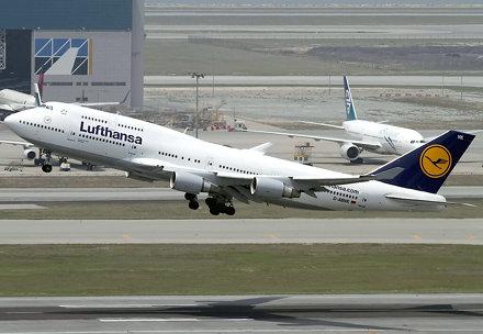 B747-430 | Lufthansa | D-ABVK | HKG