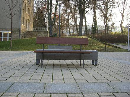 Triple bench