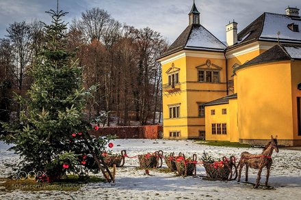 Merry Christmas from Hellbrunn Palace!