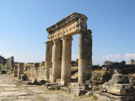 Hiérapolis - Portiques le long du Cardo