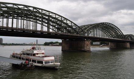 Pont Hohenzollern (1907-1911), Cologne, Rhénanie du Nord-Westphalie, Allemagne.
