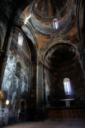 Hovhannavank monastery interior