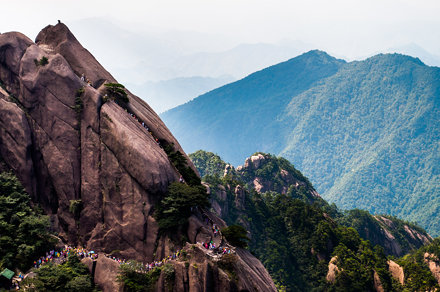 Huangshan (Yellow Mountains)  黄山