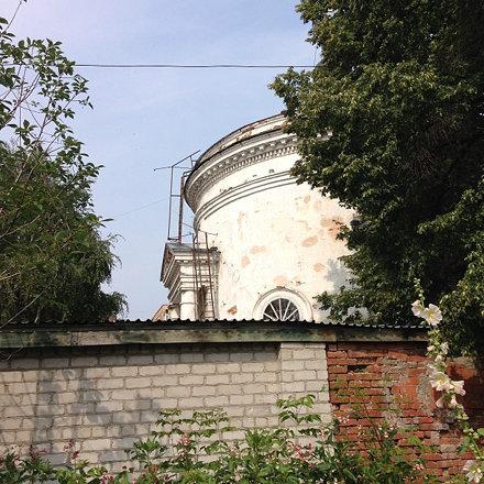 Вид на церковь из больницы...