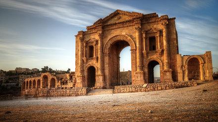 arch of hadrian jerash jordan