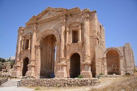 The arch of Hadrian (Jerash, Jordan 2019)