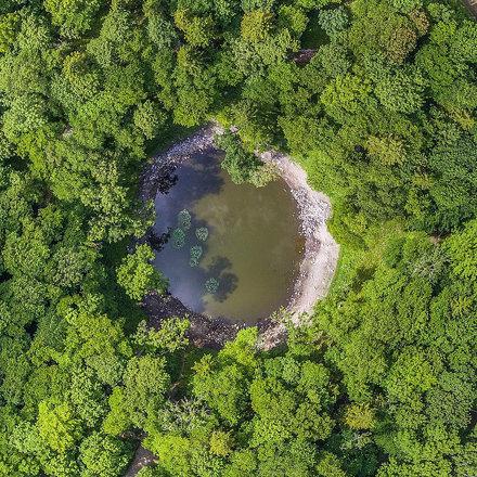 Kaali kraater. Suurelt kaupokalda.com #visitestonia