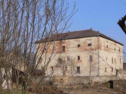 Kurovice Castle
