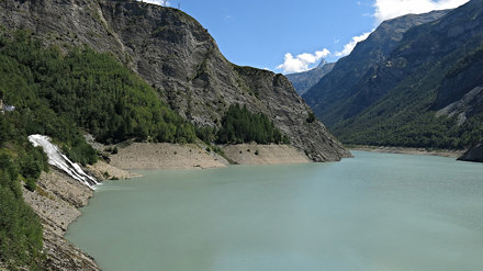 Lac du Chambon (1044 m npm)