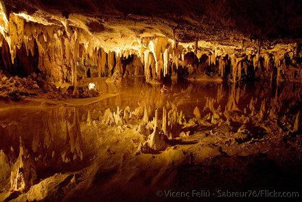 Dream Lake - Luray Caverns