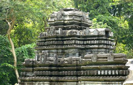 Mahadev Temple, Tambdisurla, Goa (18)