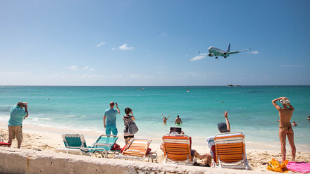 Incoming @ Maho Beach, St. Maarten