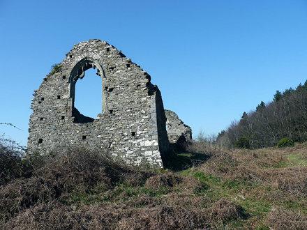 Hen Eglwys chapel ruins 28th March 2012 (3)