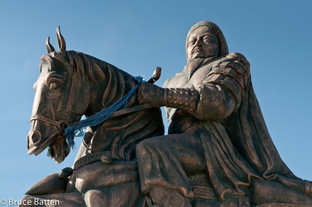 100926 Mausoleum of Chinggis Khan, Ordos-01.jpg