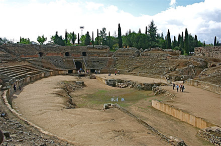 Anfiteatro Romano - 8 BC