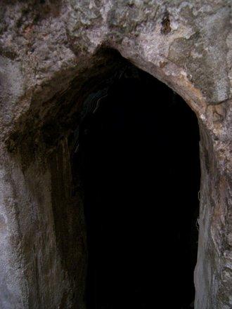 Entrance into tepidarium room