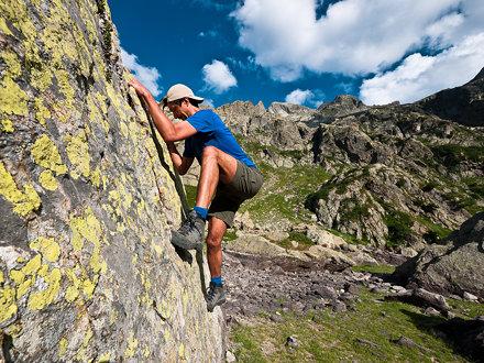 Bouldering in Argentera