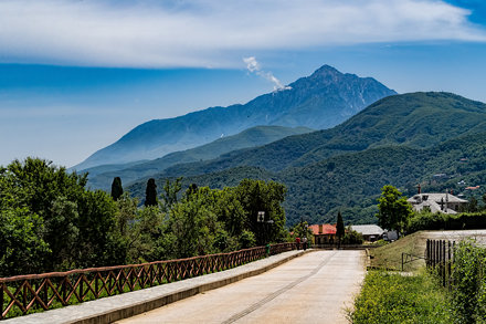 20180518_Greece_4949 crop Mount Athos sRGB