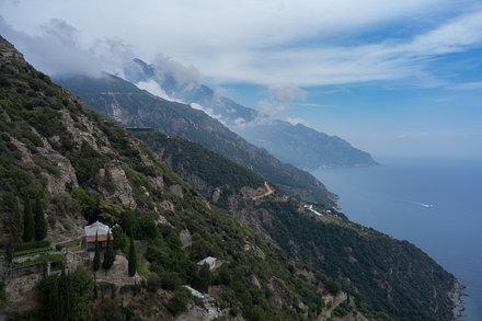 Вид на Афон из монастыря Симонопетра / View from Simonopetra Monastery