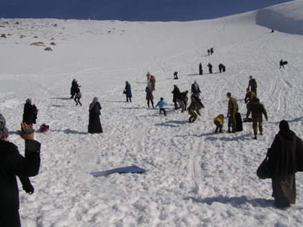 Palestinian Children Diagnosed with Cancer and Alpine Soldiers Visit Mt. Hermon