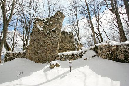 1504 Muránsky hrad