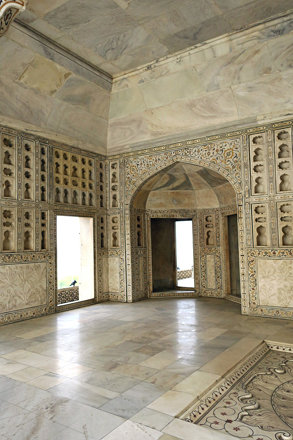 Agra Fort Musamman Burj Carved and inlaid marble room 2