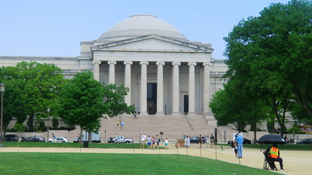 Washington D.C.: Smithsonian Natural History Museum - in front of the south facade